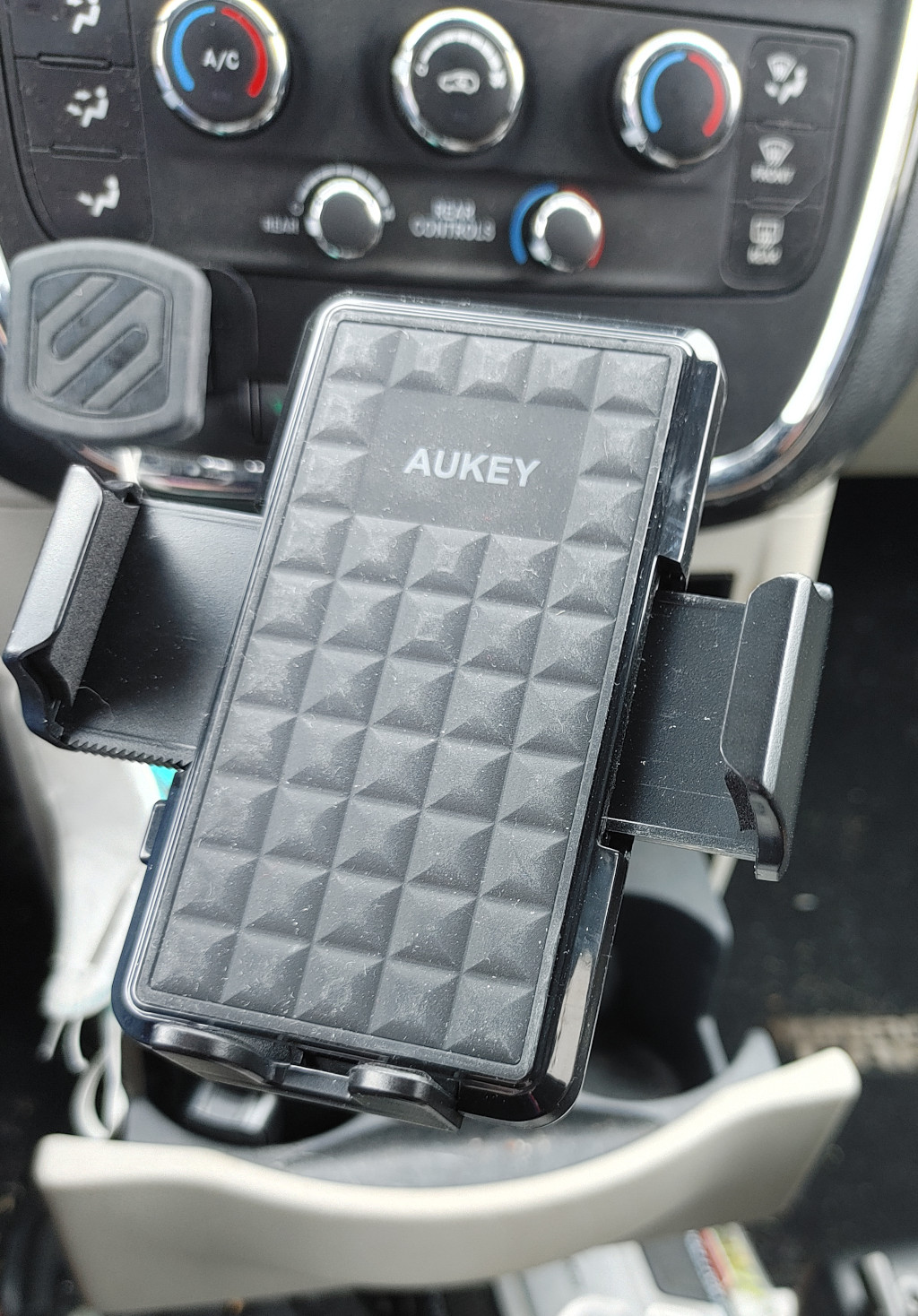 AUKEY Car Cup Holder Phone Mount