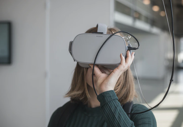 5 Pros and Cons of VR in Gaming